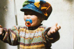 Impacto da chupeta no desenvolvimento da linguagem